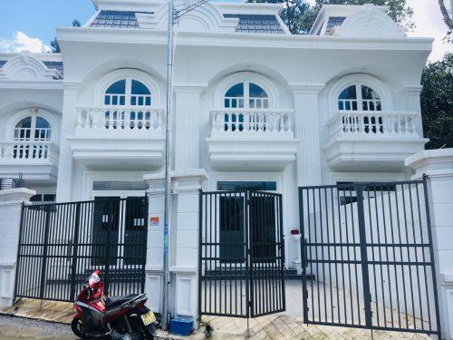 Bán nhà phố tân cổ điển Bình Dương