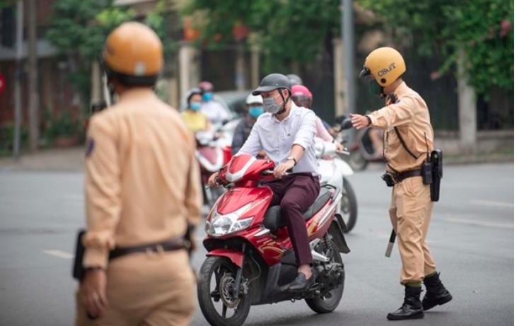 CSGT phạt không có bảo hiểm xe máy